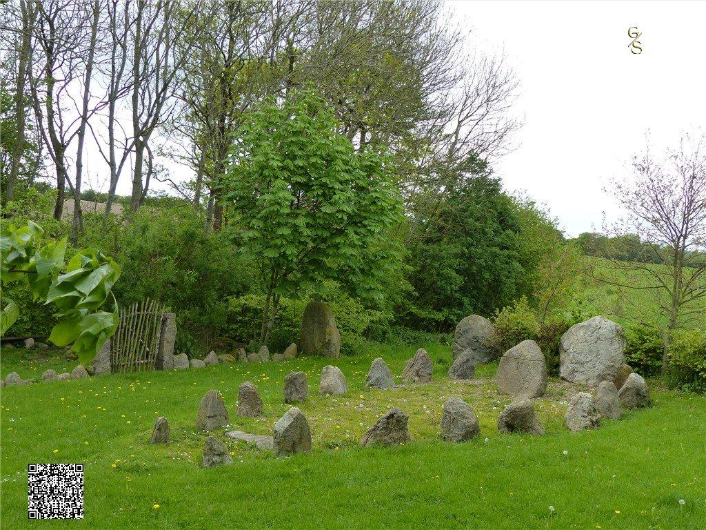 107 - Runensteenplaats Bij Stoltebüll