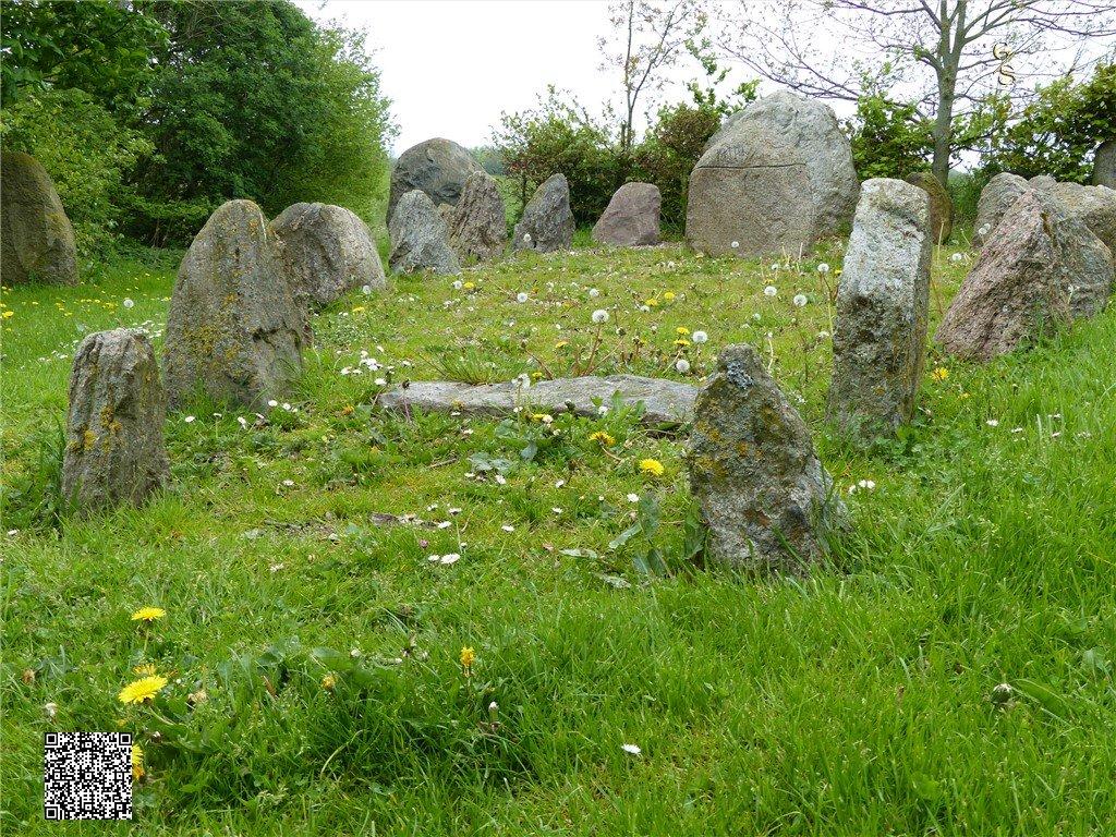 110 - Runensteenplaats Bij Stoltebüll